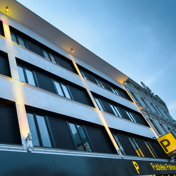 cammerpoorte-projet-bac-architects-rénovation-façade-hôtel-parking-led-philips-lighting-anvers